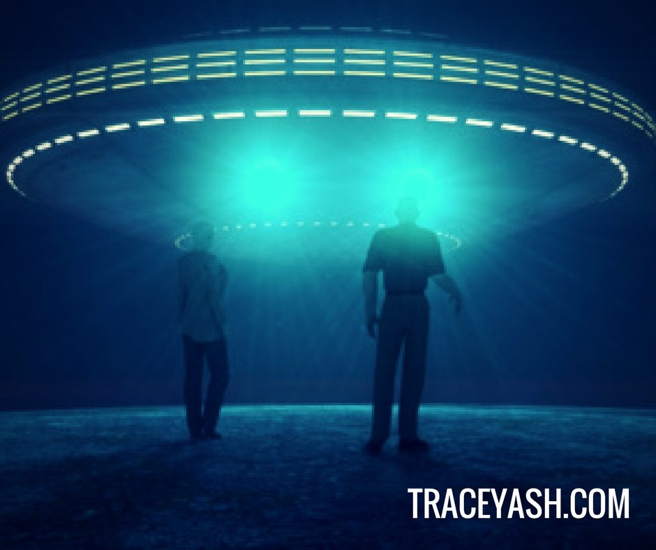 ET-contact-tracey1
